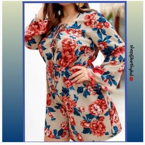 ⛱CCO⏬🌺🍃Islands Floral Romper Curvy 5 star rated❗
